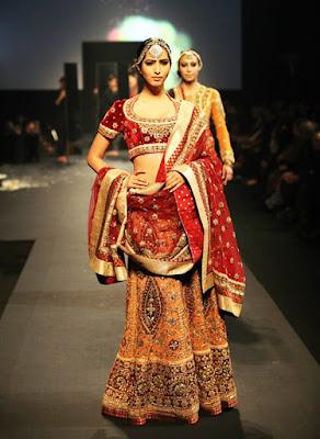 Stylish-Designer-Bridal-Lehenga-Designs-2017-By-Ritu-Kumar-9