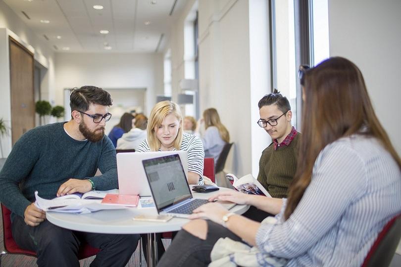 Bourses d'études de la Fondation MasterCard de l'Université British Columbia 2021/2022