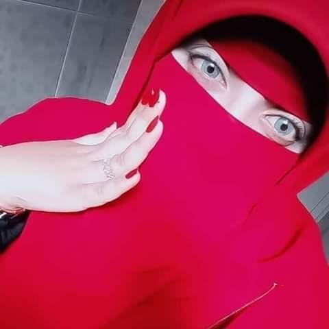 دكتورة غادة مليونيرة مطلقة سعودية عمرها 31 سنه مقيمة في الرياض تبحث عن شريك العمر