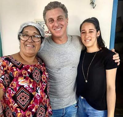 Luciano Huck   visita Olho D'Água do Casado e Pão de Açúcar para gravar o especial de 20 anos do Caldeirão do Huck