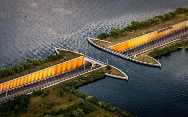 6 most impressive water bridges in the world