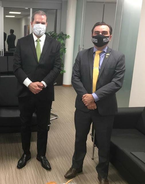 Na foto, com o presidente do STF, Ministro Dias Toffoli.