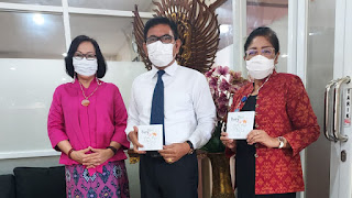 Santy Sastra, Narasumber Orientasi Kerja Karyawan Baru di Lingkungan Yayasan Kesejahteraan Korpri Propinsi Bali