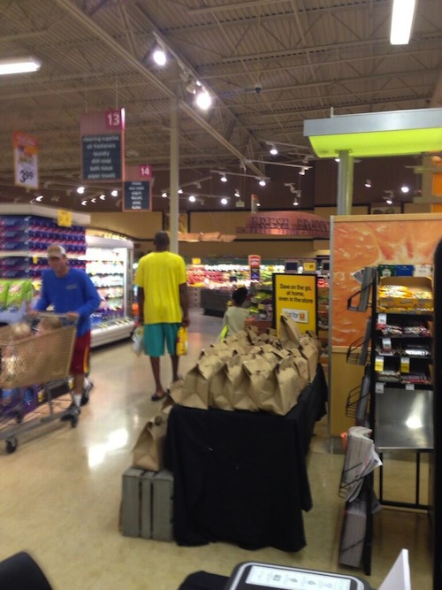 NWK to MIA  Kobe Bryant Keeps It Moving At Grocery Store LMAO 6aadcecfd124