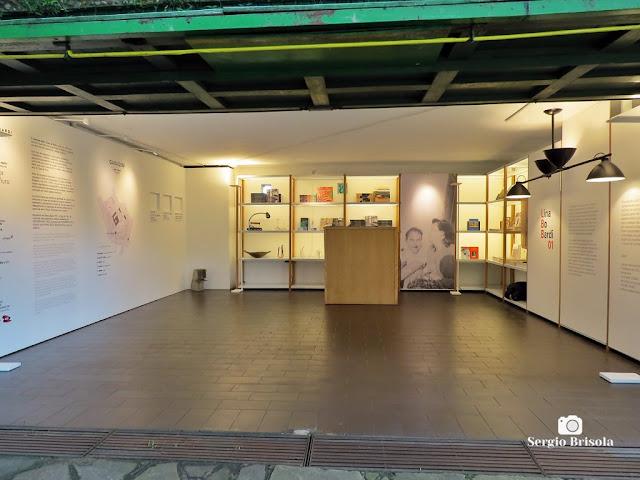 Vista da exposição permanente da Casa de Vidro Lina Bo Bardi - Morumbi - São Paulo
