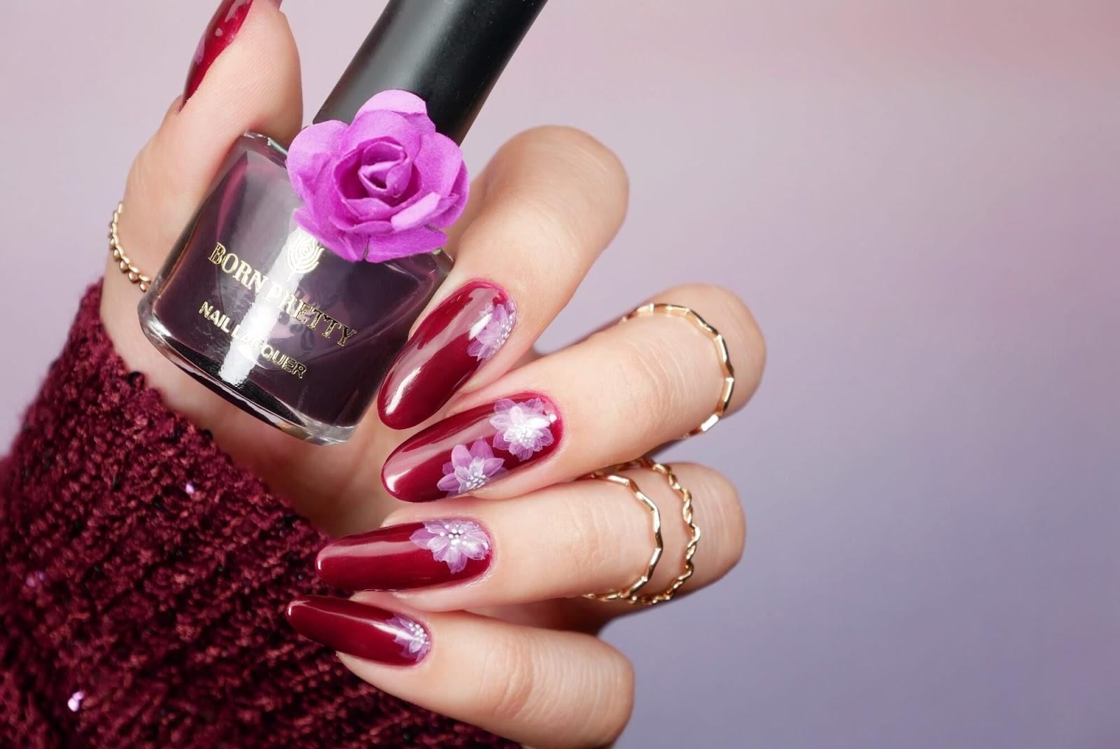 proste kwiaty na paznokciach