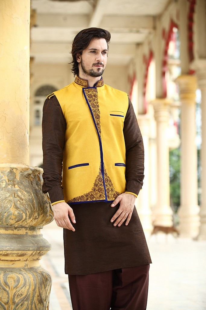 6c2e02d510 There are so many Pakistani Fashion Designers in the world and they belong  to modern or latest era and some are associated with the out dated era like  kurta ...