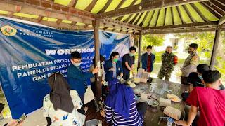 Workshop Pembuatan Lilin Aromaterapi oleh Kelompok KKN Unram Bersama Karang Taruna Desa Saribaye