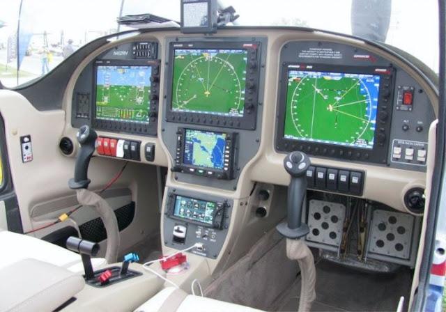 Vans RV-10 cockpit