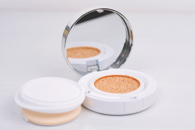Lancome Miracle Cushion Foundation Porcelaine Review