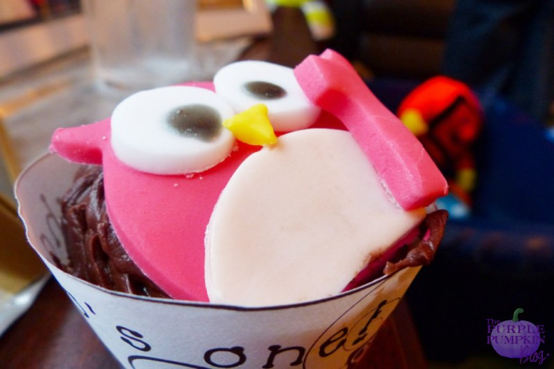 #Cupcakes for an #owl themed 1st birthday party ~ The Purple Pumpkin Blog