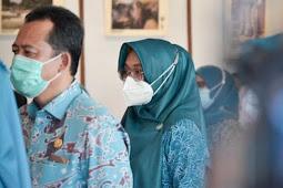 Sukandar dan Yemi Suwarti  Hari Kesatuan Gerak Ke- 49 di Jambi