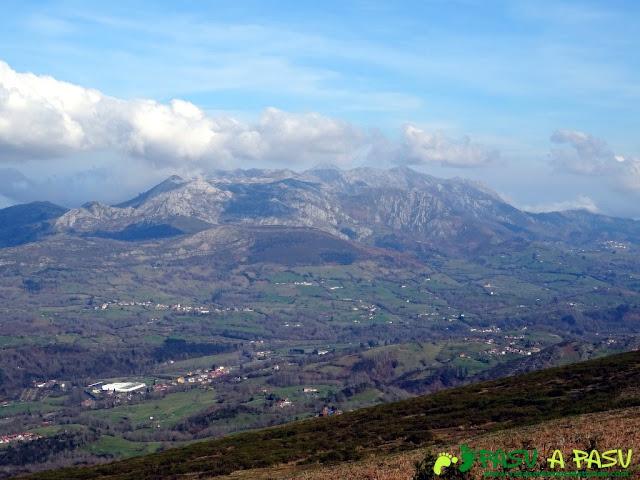 Senda del Chorrón y Foz del Río Valle: El Sueve desde Cerro el Tombu