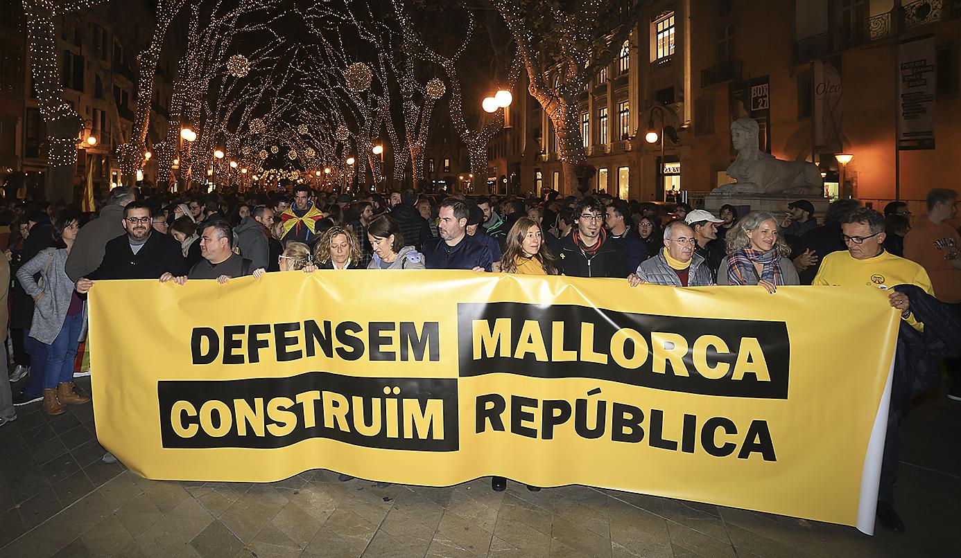 BALEARES: empieza la dictadura lingüística de mano de los socialistas