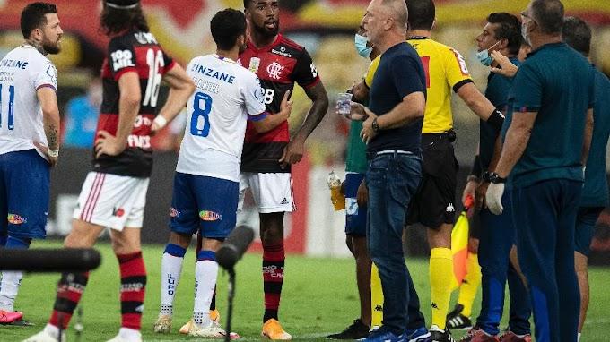 """Casos de racismo no futebol aumentaram 235%: """"Os racistas estão se expondo mais"""""""