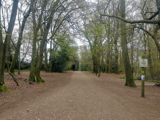 Watford Borough bridleway 30 heading S from the car park