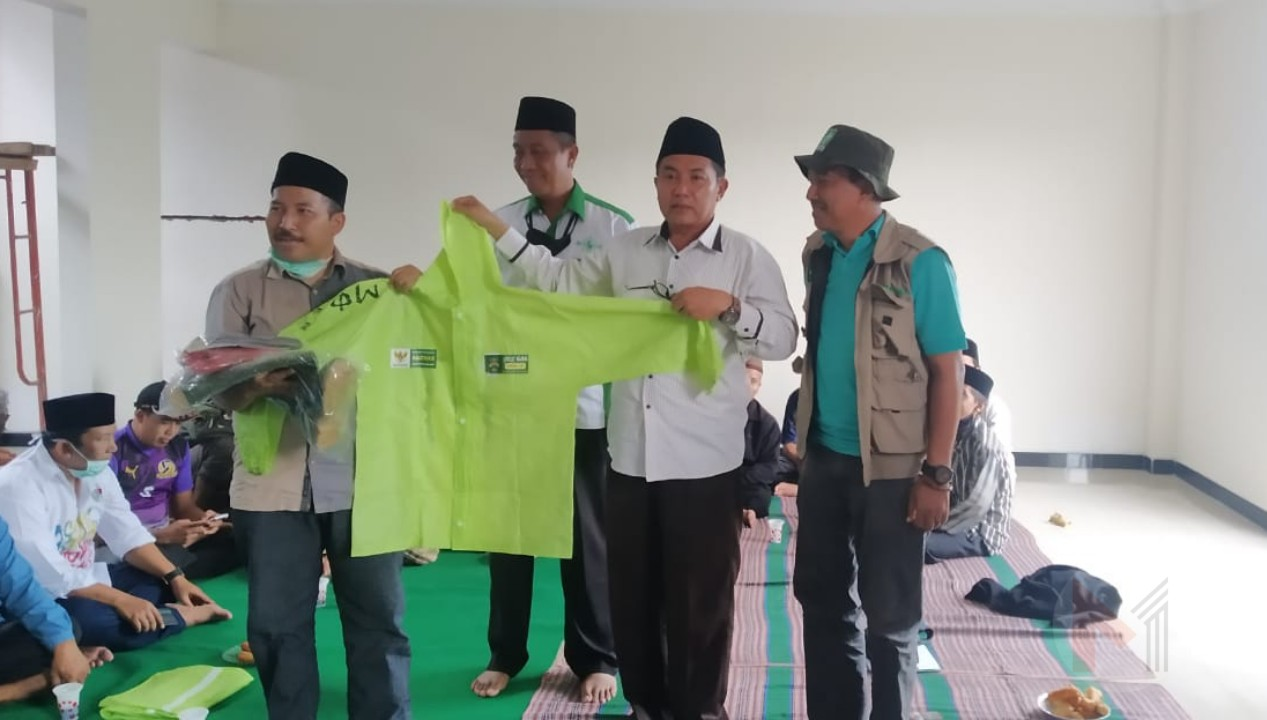 Baznas Kabupaten Malang Serahkan Bantuan APD Dan Masker Kepada Tim Gugus Tugas Covid-19 PCNU Kab Malang
