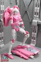 Transformers Kingdom Arcee 23