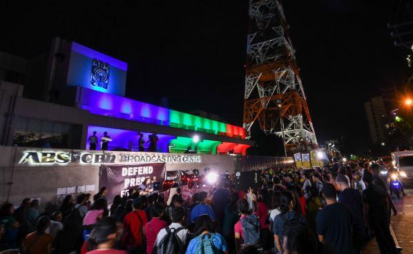 ABS-CBN go off air