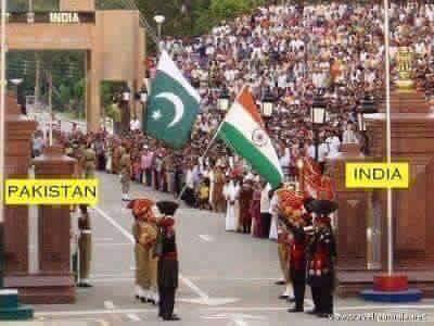 Pakistan & India World's Amazing Border Lines
