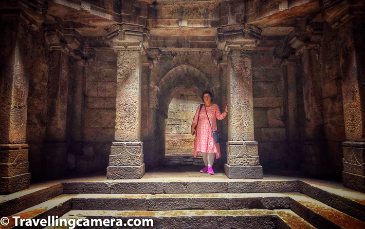 While in Gujrat, we spent few days in Ahmedabad and the city has it's own stepwell called Dada Harir Vav. While lot of people visit Adalaj ni Vav in Gandhinagar and Rani ki Vav in Patan, we found Dada Harir Vav a good place to visit in Ahmedabad as all of these are different from each other. This photo journey will take you through details about Dada Harir Vav in Ahmedabad, how to reach this stepwell, other places to explore around Dada Harir Vav and some tips to make your visit special to beautiful stepwell of Ahmedabad city of Gujrat.