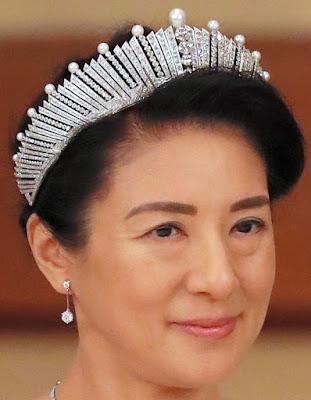 pearl sunburst fringe tiara japan empress michiko mikimoto masako