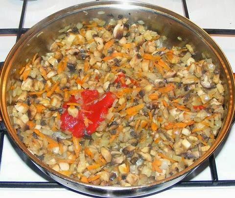 preparare compozitie sarmale in foi de vita de post cu orez si ciuperci