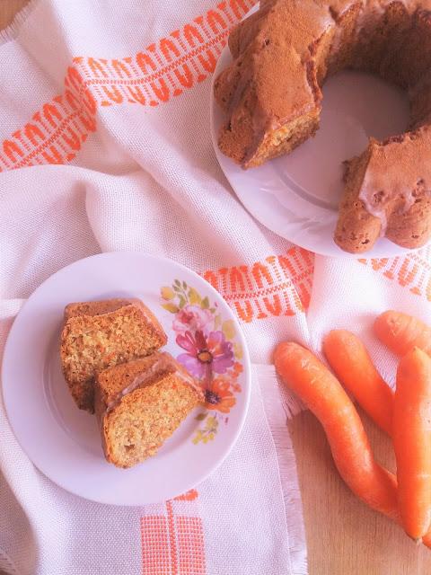Szybka babka marchewkowa i oleje z Olejarni Niwki / Quick Carrot Bundt Cake