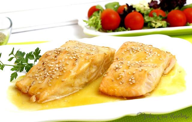 Salmón al microondas con salsa de mostaza y miel. Julia y sus recetas