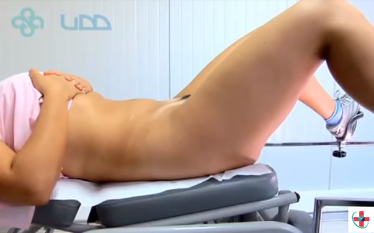 Woman at the gynecologist