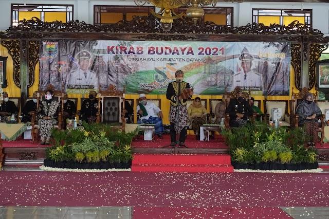 Lestarikan Budaya, HUT Kabupaten Batang Ke- 55 Gelar Kirab Pusaka Tombak Abirawa