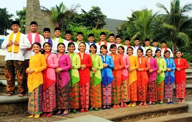 Pakaian Adat Betawi - DKI Jakarta