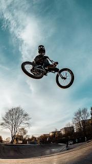 Cycle Racing Mobile HD Wallpaper