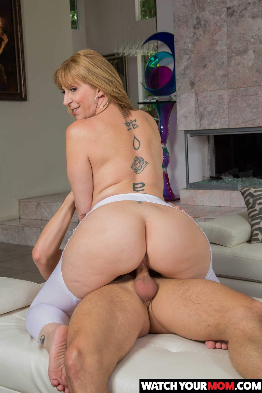 Sara jay fucks the thief