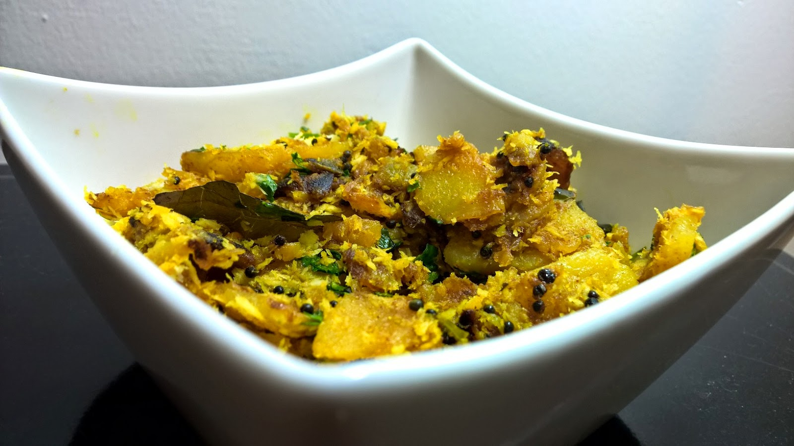 Amazing Crispy Potatoes - Maharashtrian Batata Recipe