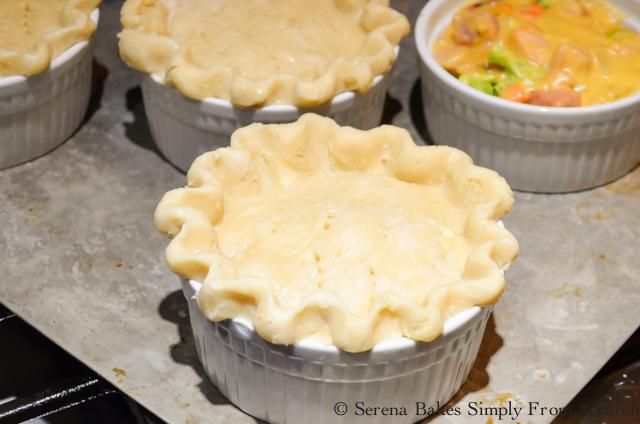 Cheesy-Ham-Broccoli-Pot-Pie-Cover-Pie-Crust.jpg