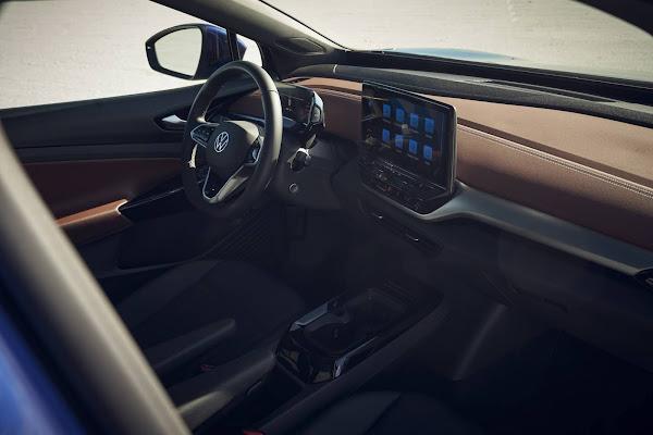 VW ID4 Pro S x Tesla Model Y e Mach-E - interior