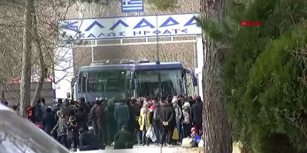 Έφτασαν στα ελληνοτουρκικά σύνορα οι πρόσφυγες