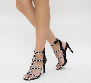 Sandale Redin Negre cu insertii metalice aurii foarte elegante