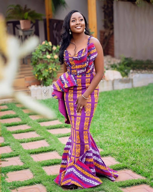 2019 Latest and Outstanding Asoebi Collection