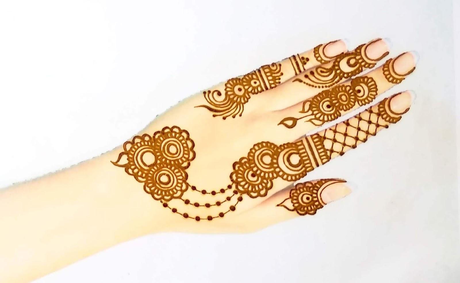 Uneven Floral Jewellery Design