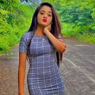 Bindass Kavya Was Famous Video Creator, She Was Born 30 March 2004 In Aurangabad Maharashtra India, She Was Height Was 1.53M and Weight Is 55Kg Pounds, Bindass Kavya was 16 Year Old , Bindass Kavya Was 50K Rupee Permonth