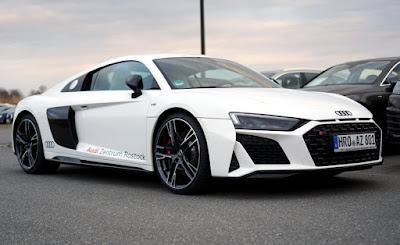 harga mobil audi r8 coupe 2020
