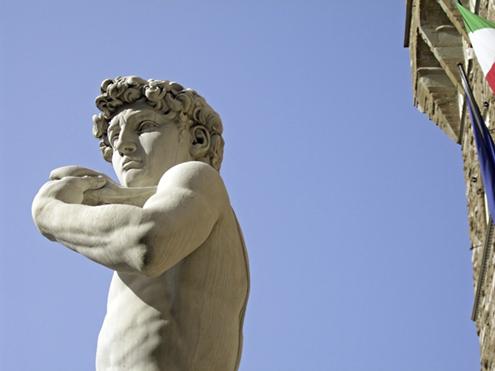 Detalle de El David de Miguel Ángel Buonarroti en la Plaza de la Señoría de Florencia