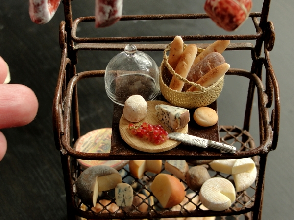 18-Pantry-Storage-Kim-Clough-fairchildart-Dolls-House-Miniature-Clay-Food-Art-www-designstack-co