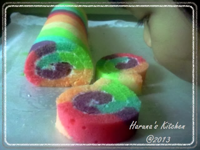 Haruna's Kitchen: Rainbow Roll Steam Cake A.k.a Kue