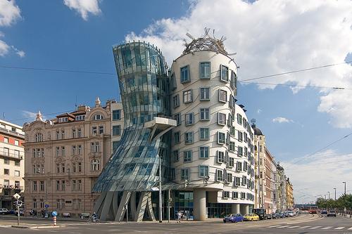arquitectura-deconstructivista-deconstructivismo-obras-caracteristicas-definicion-arquitectos