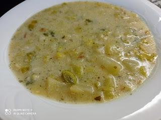 Sopa a la parisienne de puerro y patata