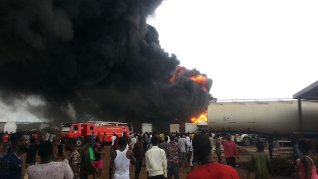 Ashaiman gas explosion: 8 dead, 4 vehicles burnt, dozens injured [Video]