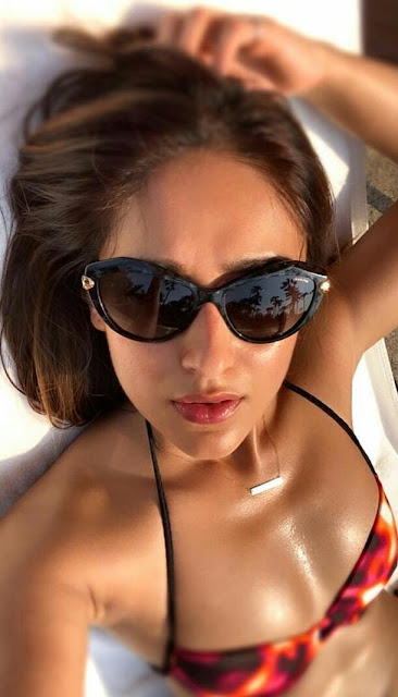 Ileana D'Cruz Full HD Hot Bikini Wallpaper